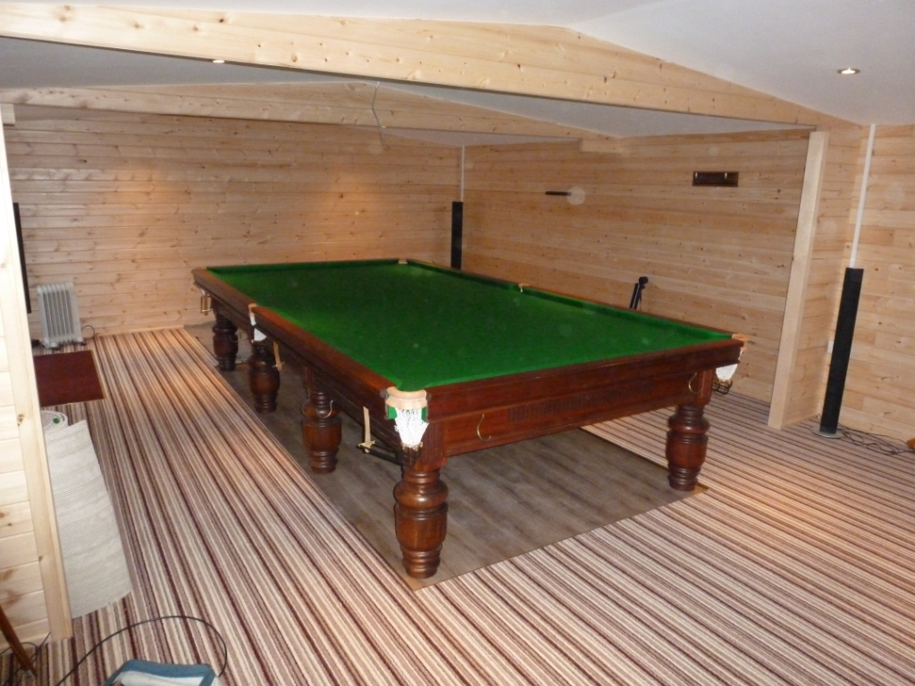 Fitting gcl billiards barton table in log cabin keyboard keysfo Image collections